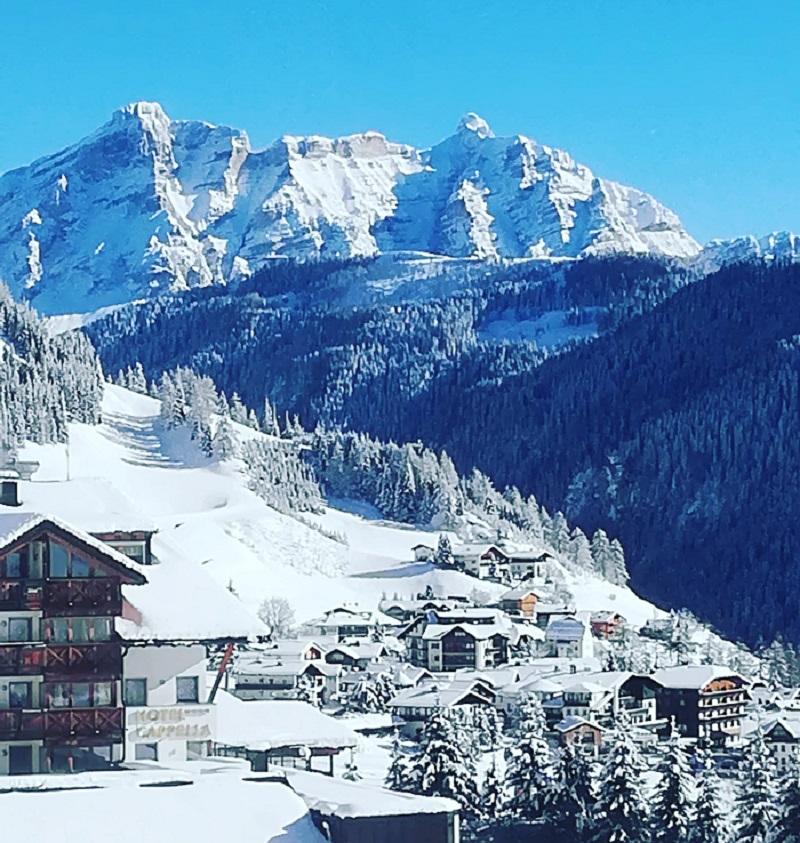 Vinter og ski i Dolomitterne